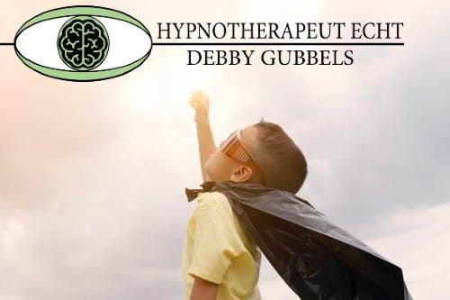 Hypnotherapeut Echt Debby Gubbels Kinderen zijn in een continue staat van hypnose